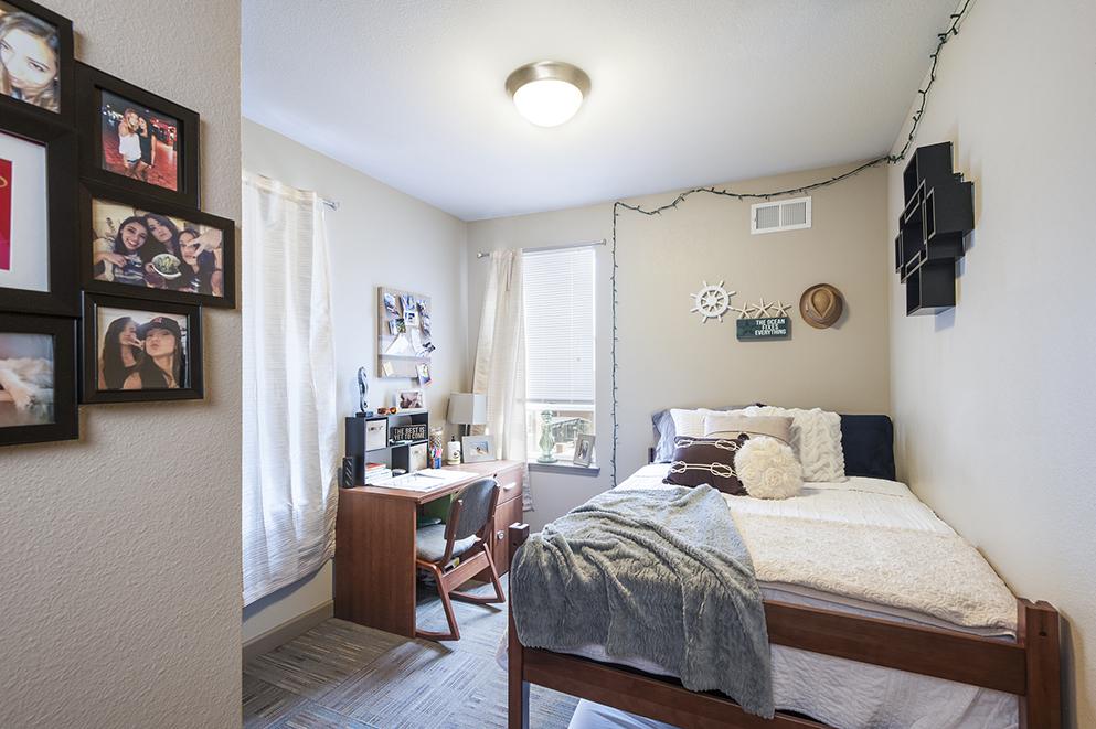 Bedroom Ka Design